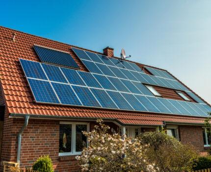 Zelf zonnepanelen plaatsen? Check eerst deze tips